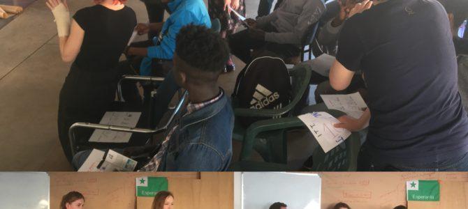 FOTO: Noví učitelia v rámci projektu učili utenčencov vo Francúzsku Esperanto